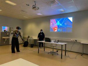Virtuaalilasien kokeilua